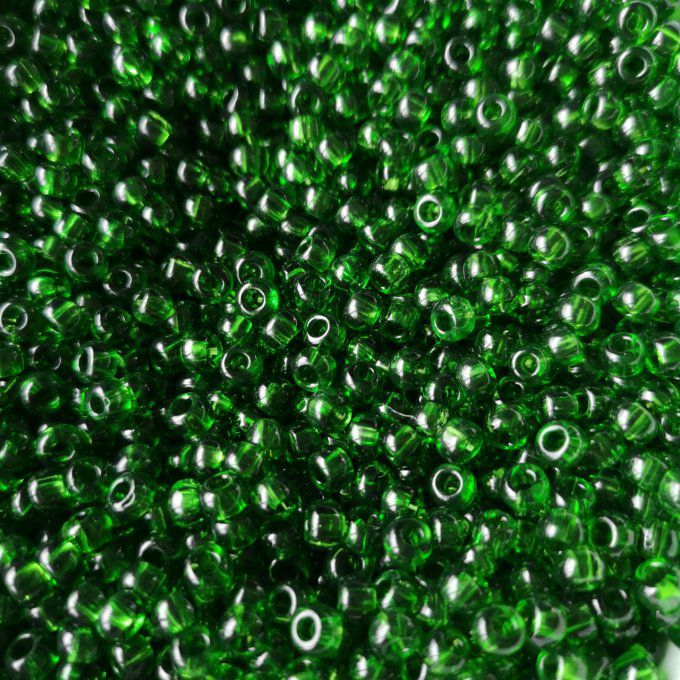 Rocaille en verre de Bohème  5.6mm  3/0  transparent green  (x20g)