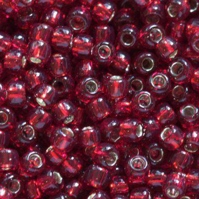 Rocaille  Toho taille 11/0  silver-lined garnet  (x10g)